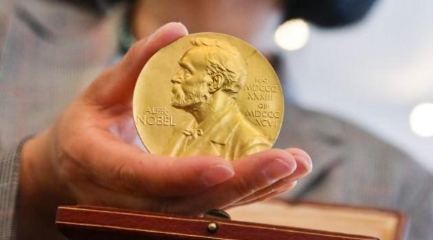 uploads 1 2013 04 95862 medali2 sayang banget medali nobel malah dilelang