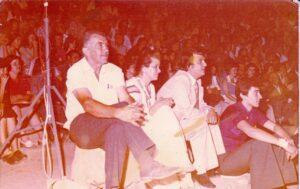 1977αρχαιο θέτρο Ορχοεμνού 1η παράσταση α