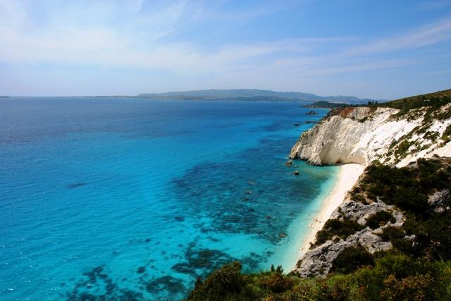 20 Μια κρυφή παραλία, κάτω από τα Κουρκουμελάτα